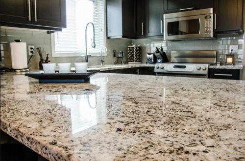 granit alaska white